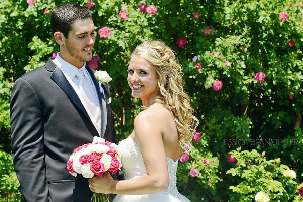 Белокурой невесте будут соответствовать серебряные и из белого золота ювелирные изделия
