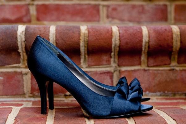 Насыщенный синий цвет создан для голубоглазых блондинок