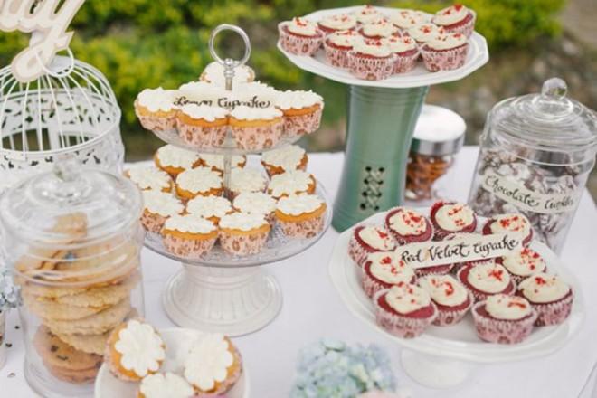 Домашняя выпечка может стать частью свадебной декорации