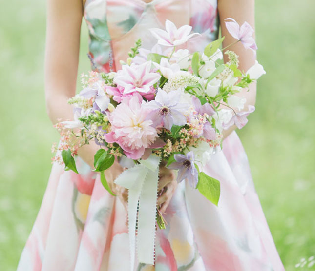Платье подружки невесты и букет в одном стиле