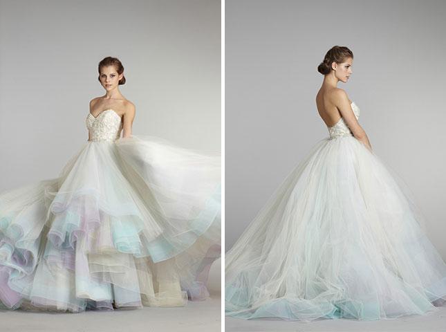 Радужное платье невесты