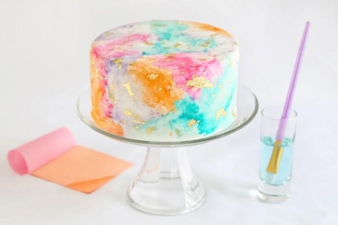 Торт с акварельной росписью и позолотой