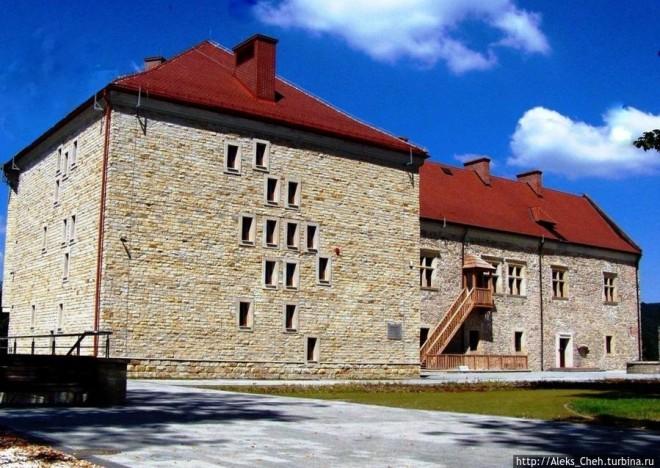 Королевский замок в Саноку Санок, Польша