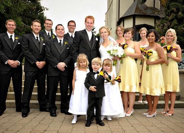 Юные леди и джентльмены на свадьбе