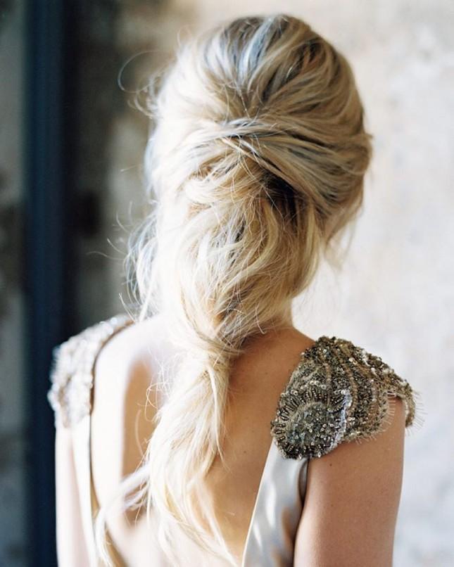 Красивая свадебная прическа