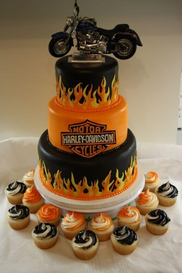Свадебный торт на байкерской свадьбе