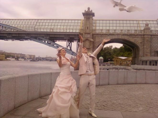 Белые голуби на свадьбе