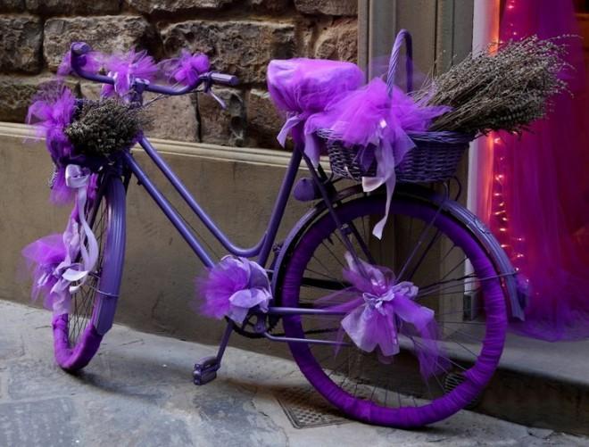 Старинный велосипед - как предмет декора