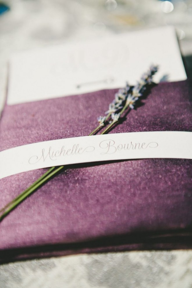 Decoraci__n-de-boda-en-color-lavanda-Onelove-Photography