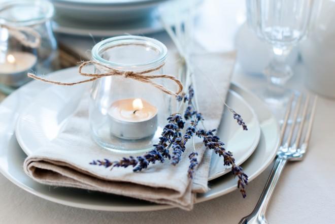 Свечи и лаванда