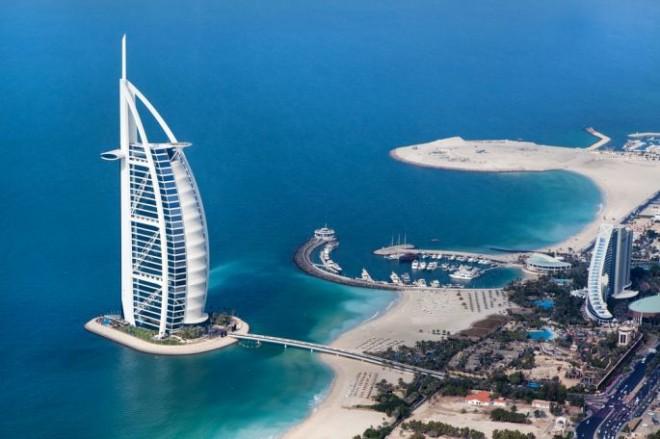 Знаменитые отель-парус в Дубае
