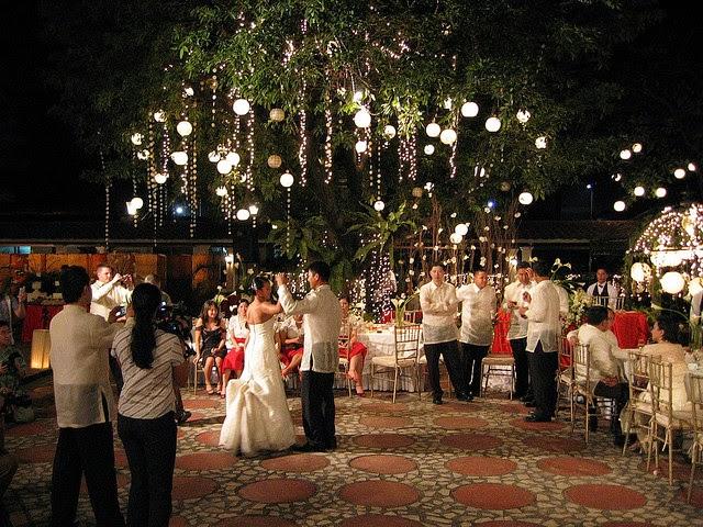 Сказочный танцпол для романтической свадьбы