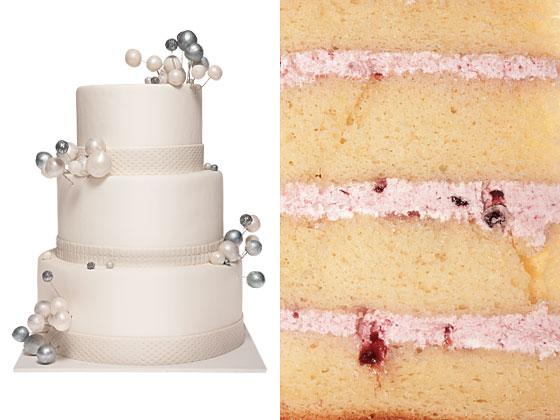 Средний миндальное-ванильный торт, черничный крем