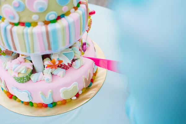 Необычный свадебный торт для тематической свадьбы