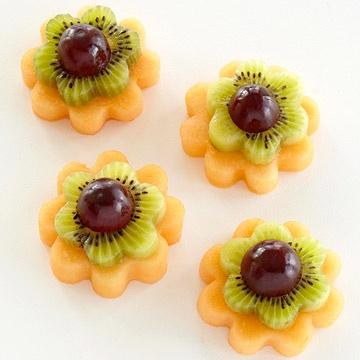 Нарядные корзиночки с фруктами