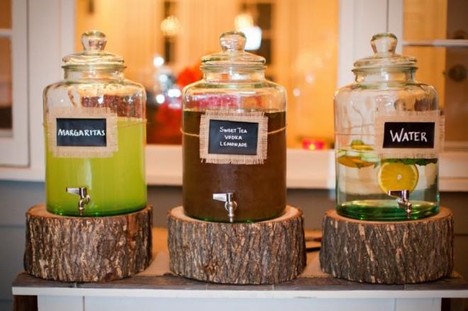 Обеспечьте своих гостей достаточным количеством прохладительных безалкогольных напитков