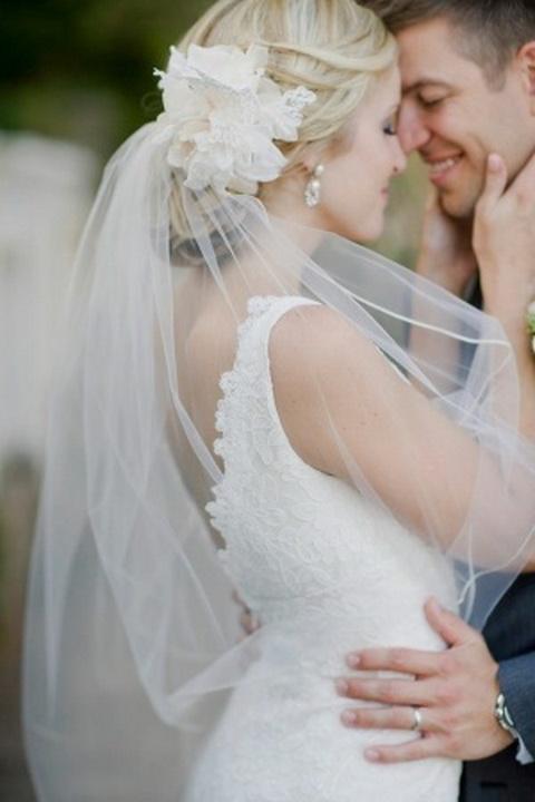 Свадебная фата из легкой ткани