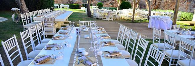 Е-образное расположение свадебных столов