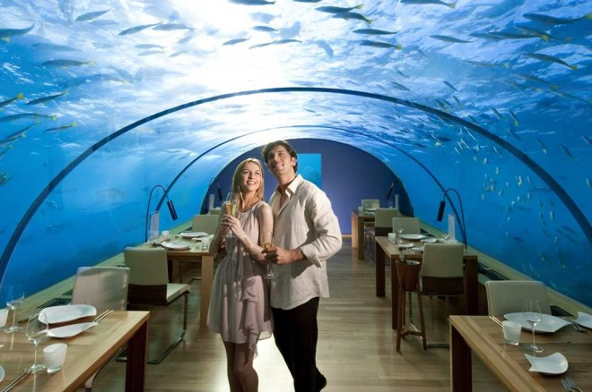 Необычный подводный ресторанчик