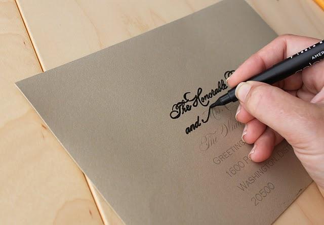 Какой ручкой подписывать открытку